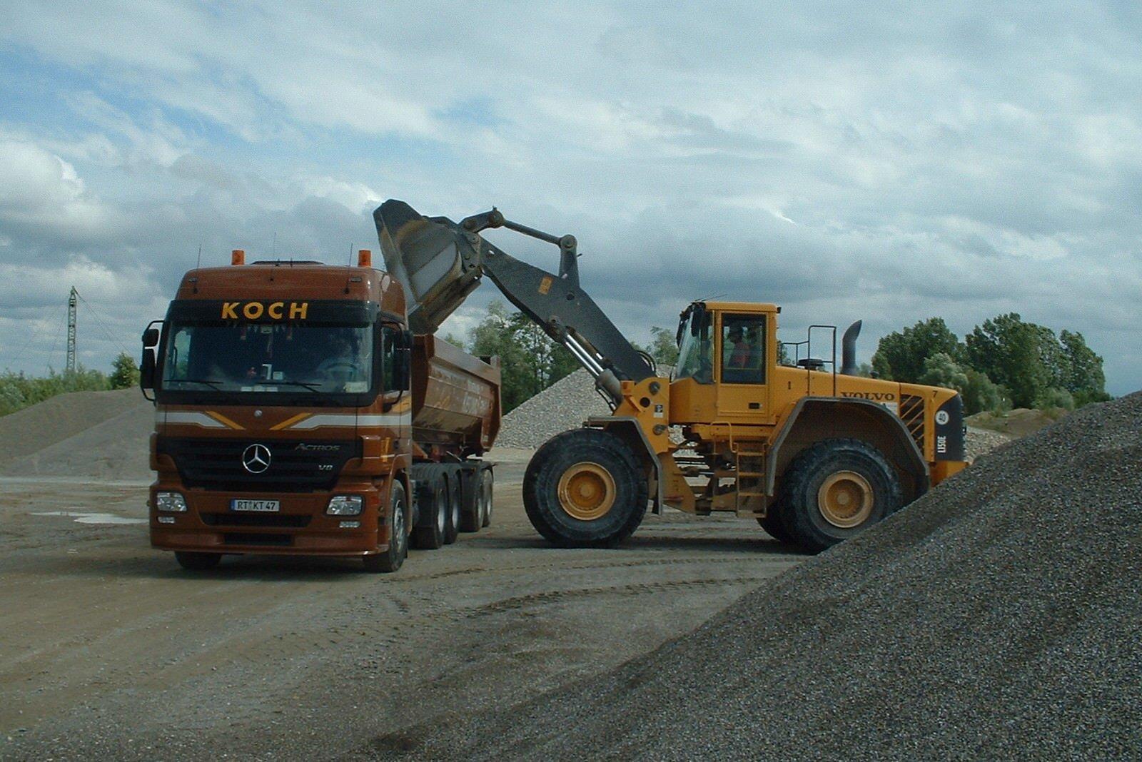 Kiesabbau koch kieswerk transporte for Koch transporte
