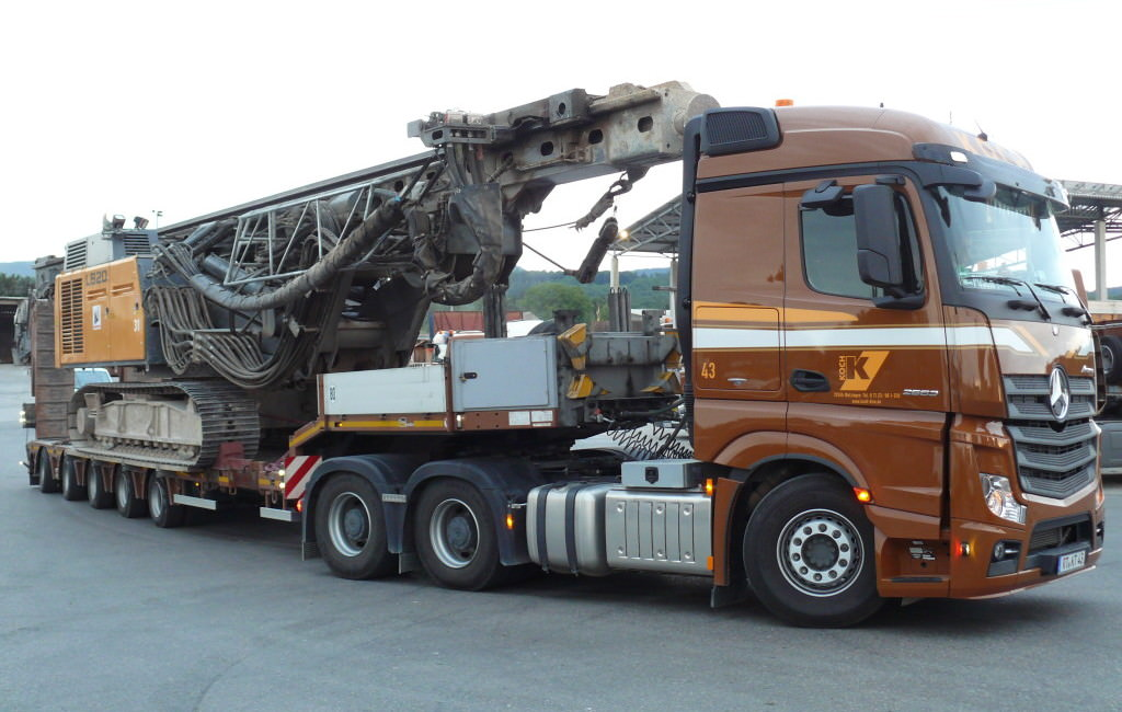 Spezial und schwertransporte koch kieswerk transporte for Koch transporte